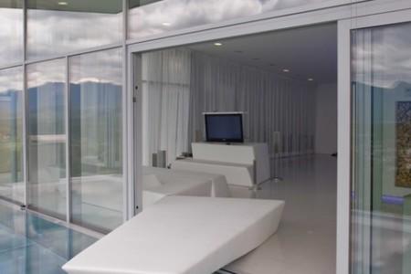 Ferien-Haus mit Infinity-Pool Weisses Haus von Velden am Wörthersee bei Seebnb